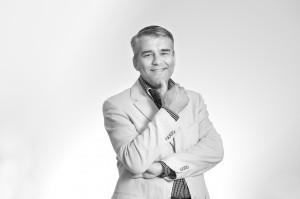 Mr Ernst Loendersloot, Senior kandidaat notaris te Maastricht. Fotografie door Truus van Gog.