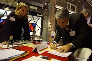 Mr Ernst Loendersloot, Sr kandidaat notaris te Maastricht. Mw Mr. Manon Machiels van Samen voor Maastricht houdt supervisie.