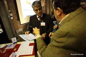Mr Ernst Loendersloot, Sr kandidaat notaris te Maastricht, in gesprek tijdens een bijeenkomst van Samen voor Maastricht.